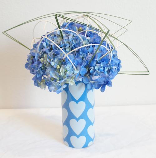White Hearts Blue Sky Sleeve - Blue Hydrangea - White Midollino - Steel Grass